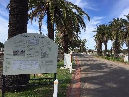 Signpost-Avenue-Williamstown-Cemetery.jpg
