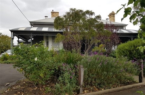 Williamstown Junction accom.jpg