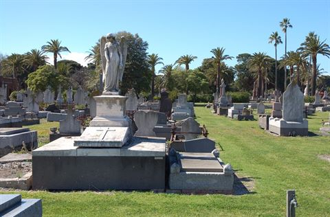 WilliamstownCemetery_001.jpg